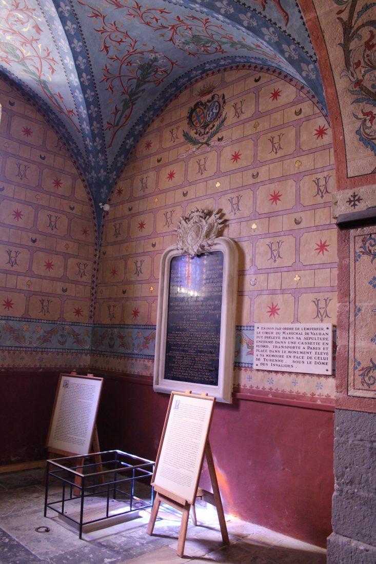 caveau de Vauban dans l'église de Bazoches