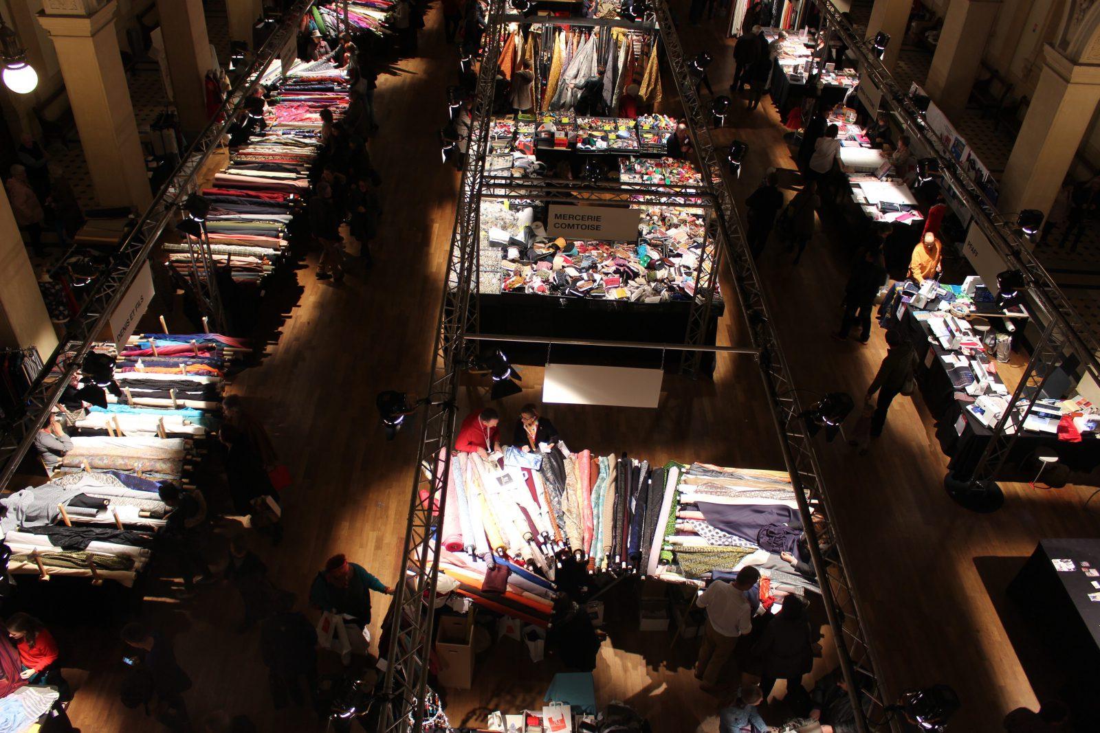 Lyon marché des tissus 2016 - vue d'en haut @françoyse Krier