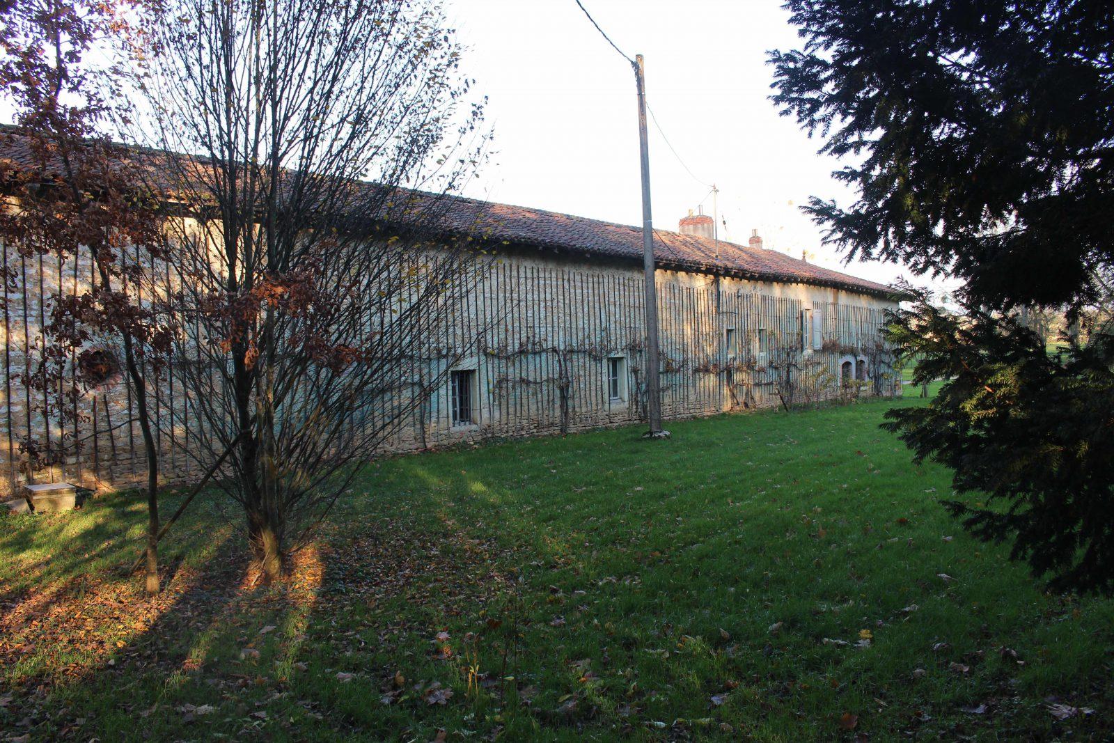 chateau-niii-Fleyriat -ferme @ francoyse Krier