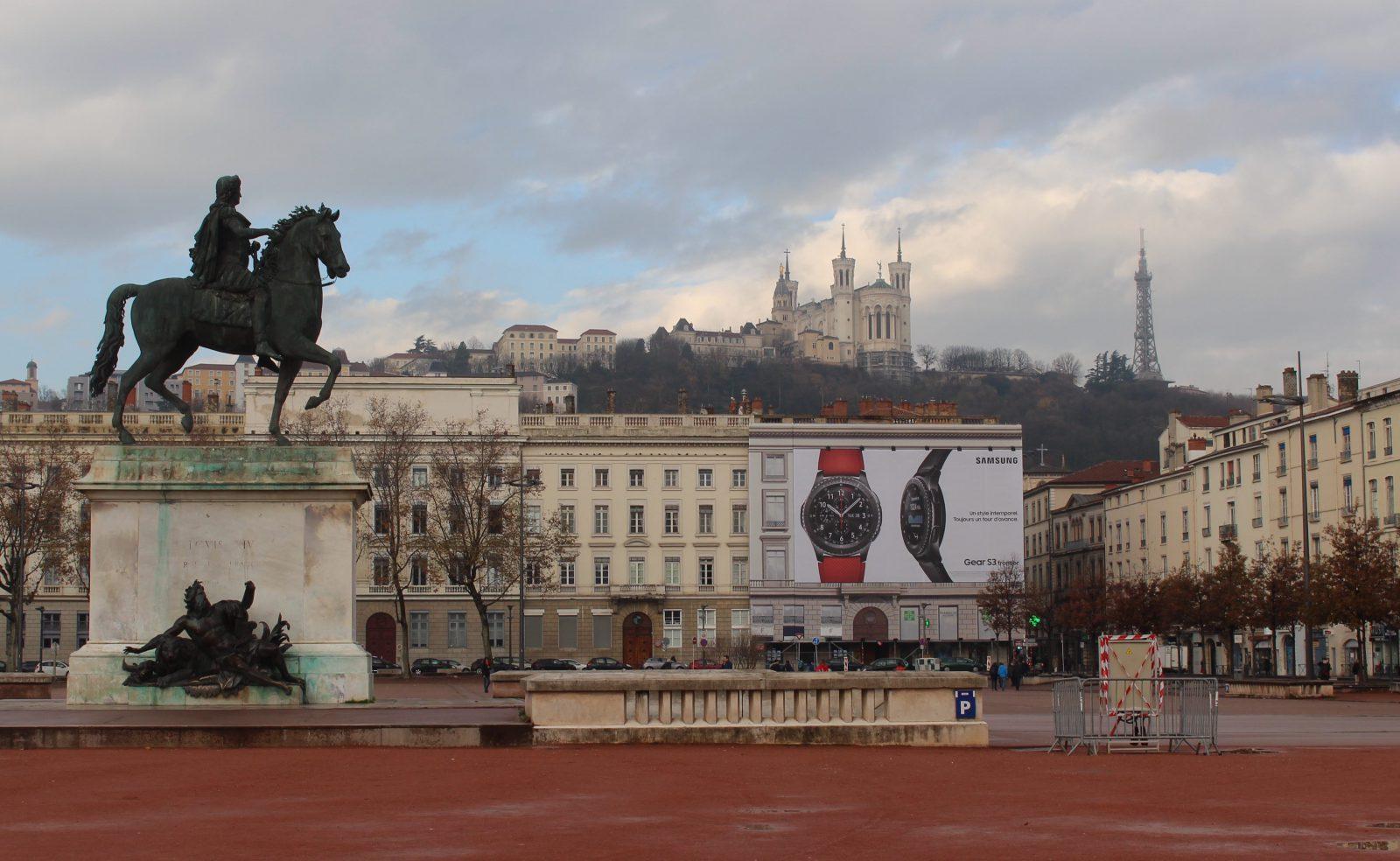 Vue de Lyon depuis la place Bellecour @françoyse Krier