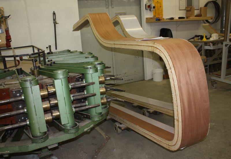 Fabrique Steinway Hambourg - préparation de la forme