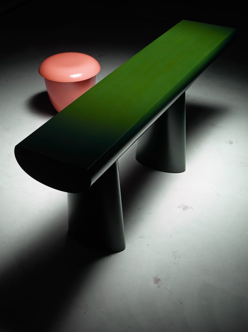 AldoBakker_GreenTable_PinkStool_2015_mudac
