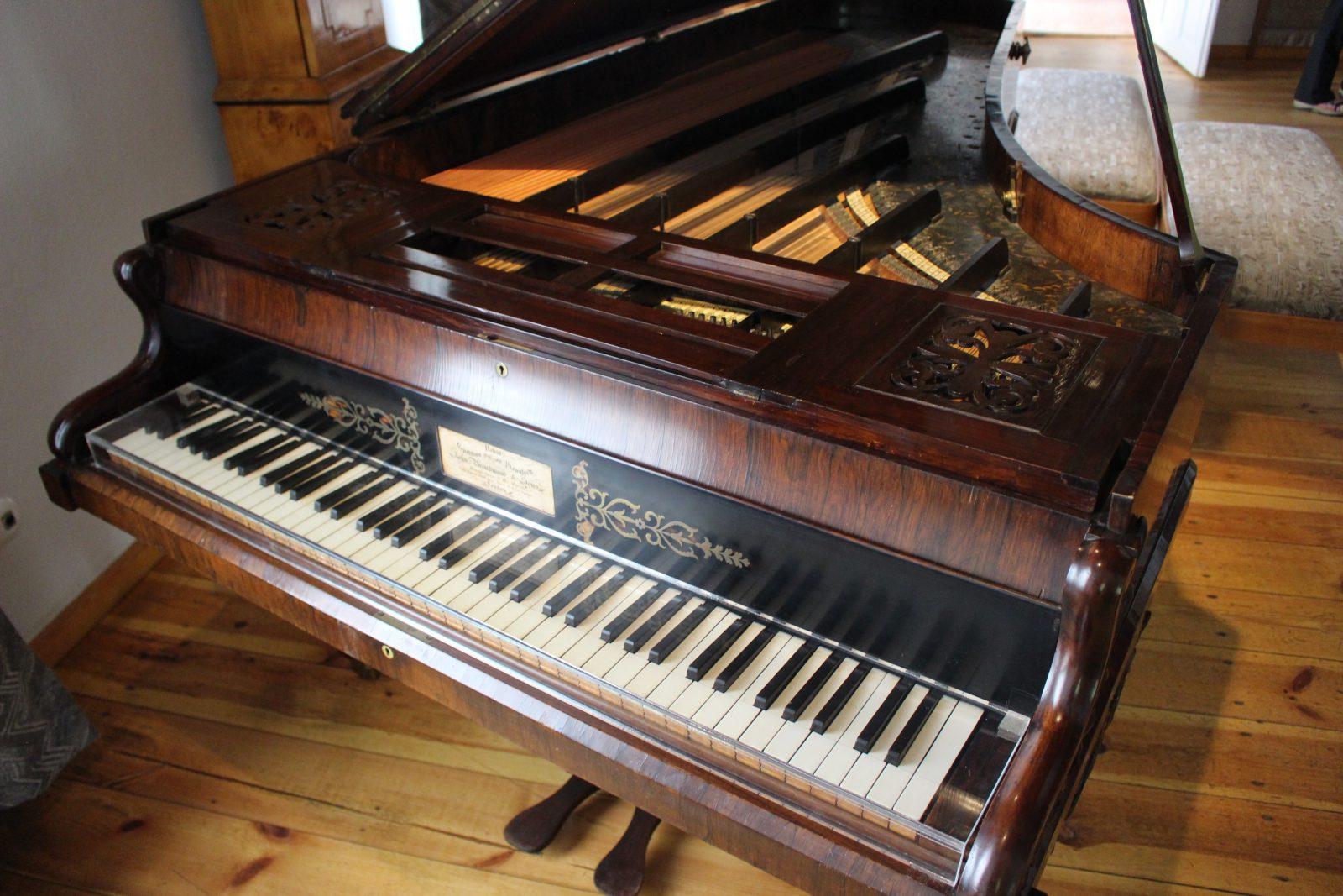 Zelazowa Wola maison natale de chopin - un des pianos