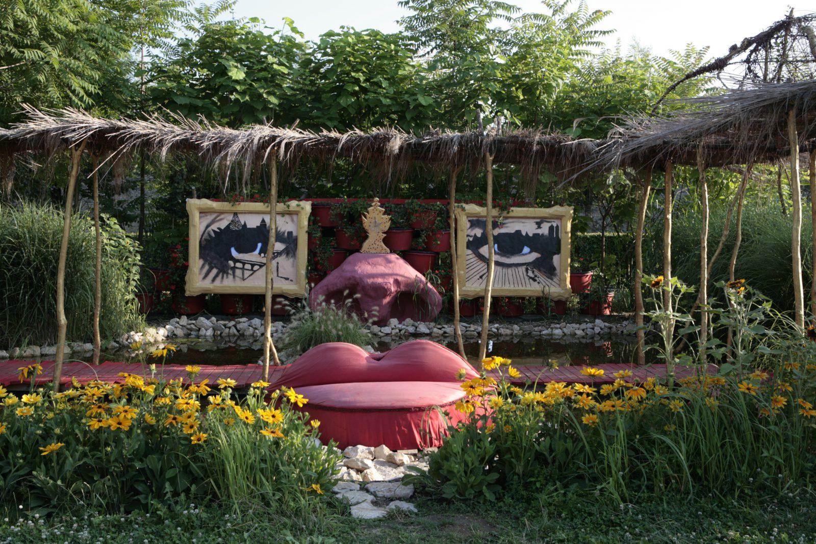 saline royale d arc et senans herg et tintin c t jardin fyk 39 mag. Black Bedroom Furniture Sets. Home Design Ideas