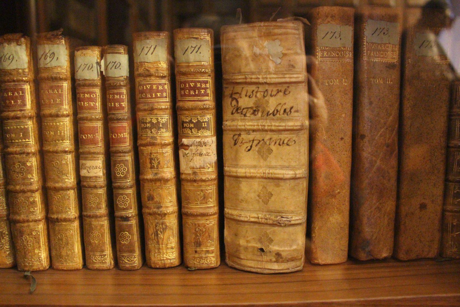 Saint-petersbourg livres de Bibliothèque de Voltaire