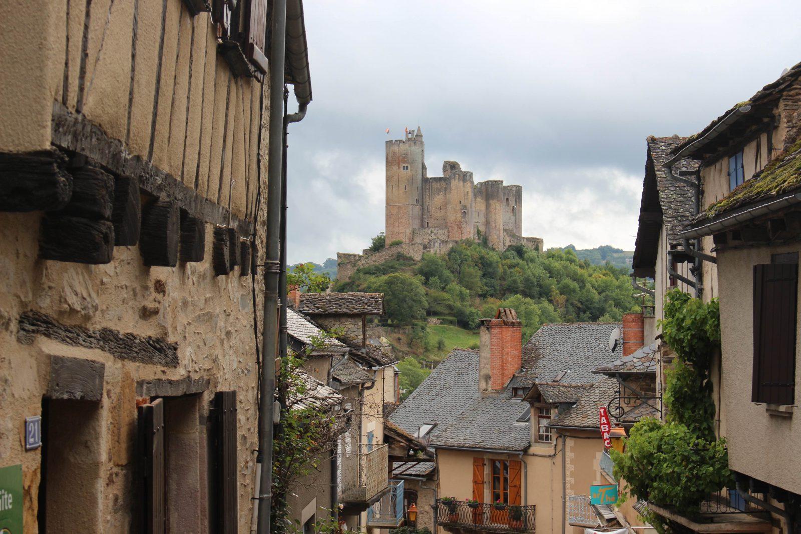 Najac, Aveyron, forteresse vue du village