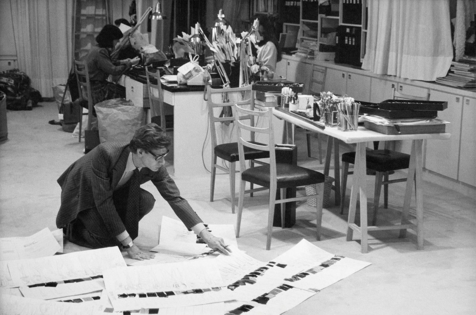 Musée Yves Saint Laurent Paris Préparation collection / Luc castel