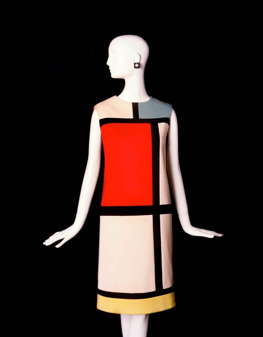 Musée Yves Saint Laurent Paris robe Mondrian / Luc Castel