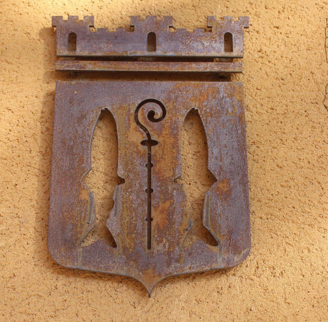 Cassis les armes de la ville sur un mur