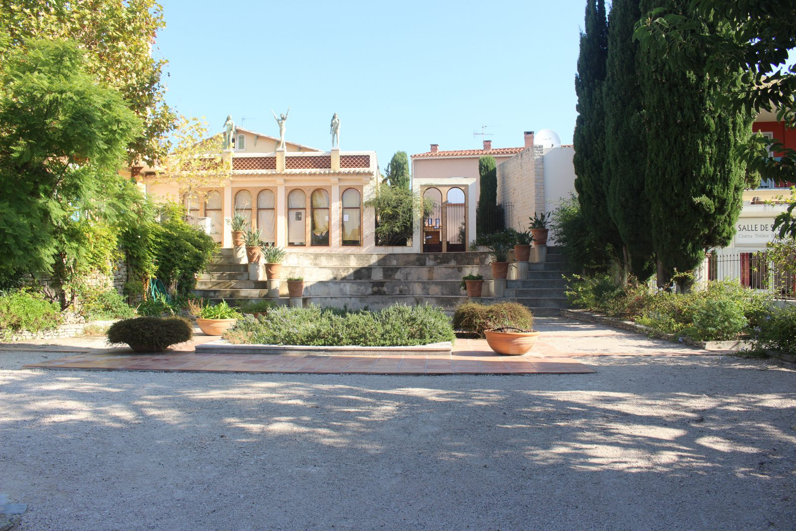 Cassis bibliothèque municipale Villa Ariane
