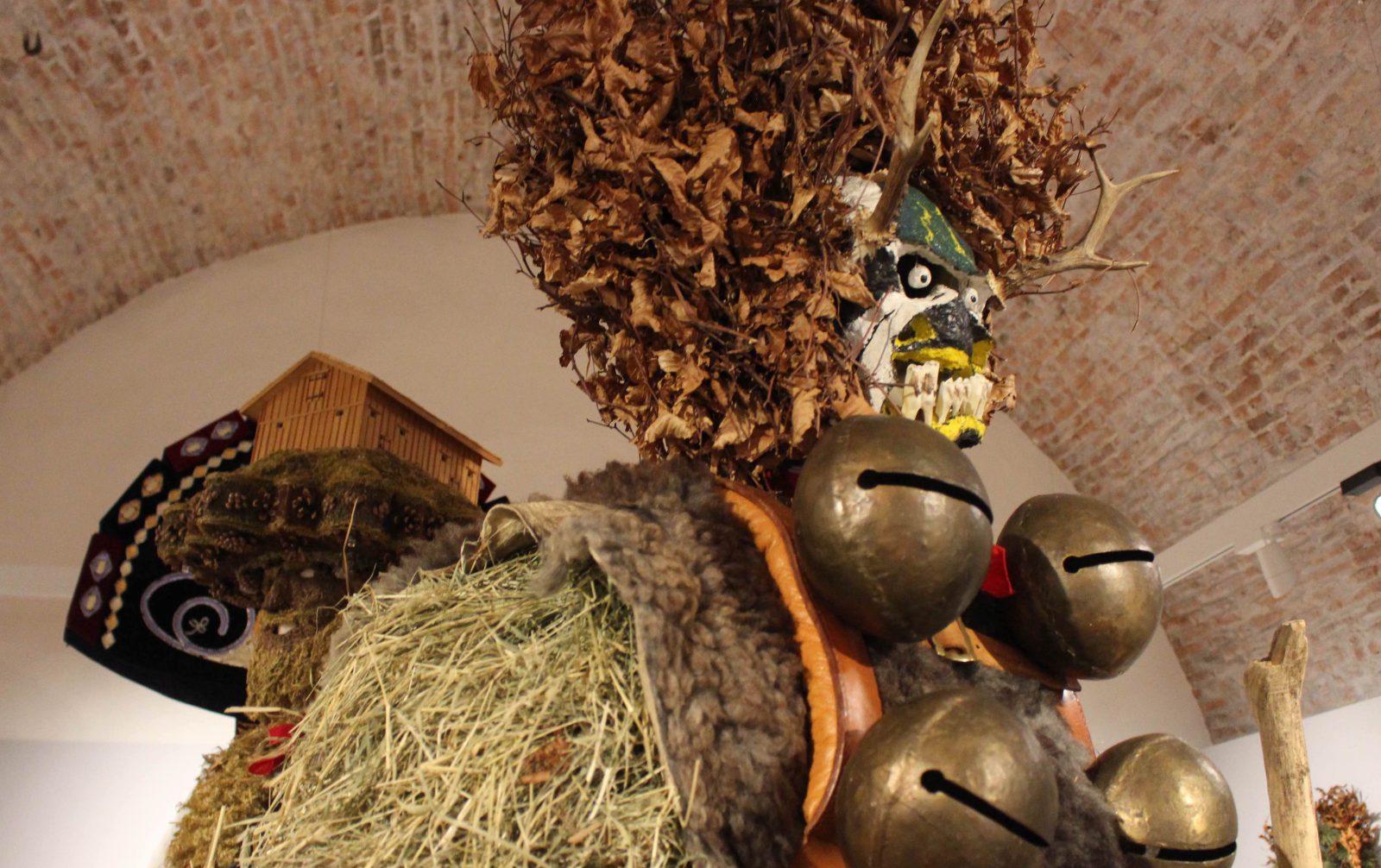 Château de Gruyères Le temps de Noël en Appenzell laid masques, grelots