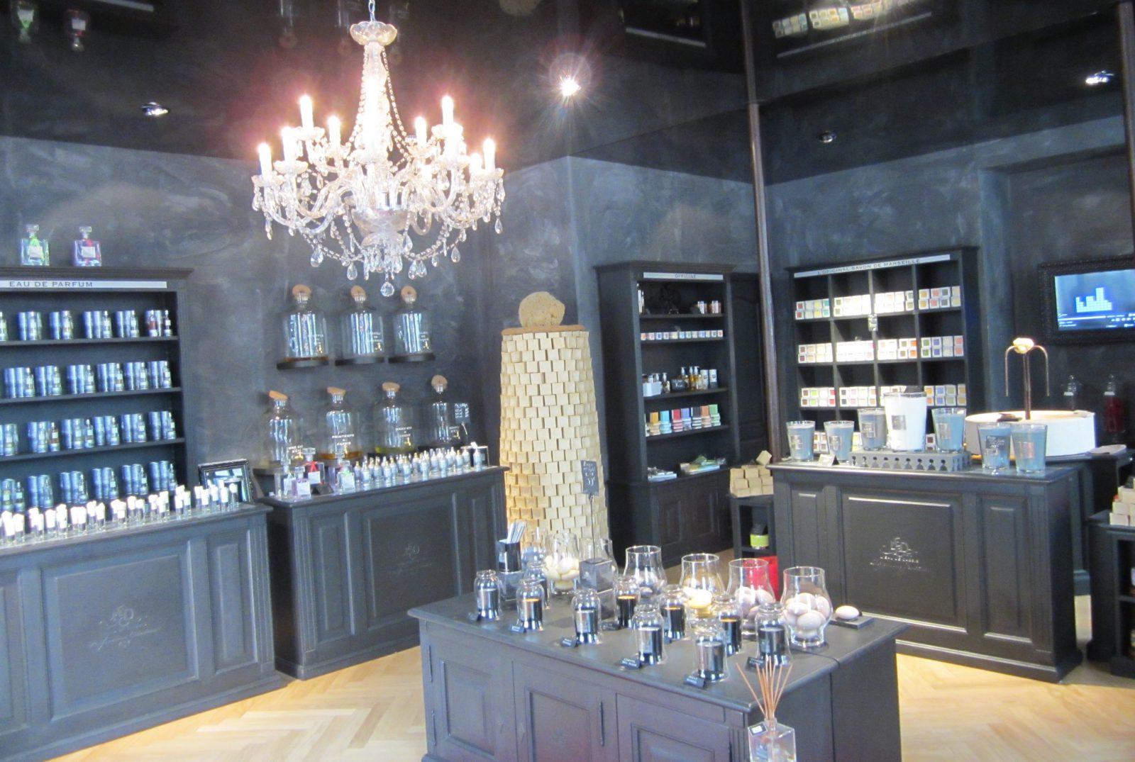 Marseille boutique Eau de Cassis - avec savons