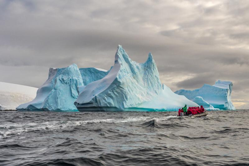 exposition Photo-cliubn Aigle Iceberg en Antartique BF