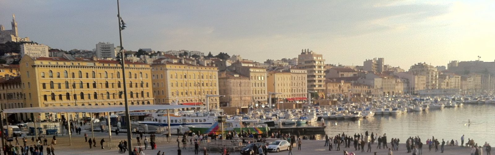 Marseille le Vieux Port vu depuis le Club Pernod