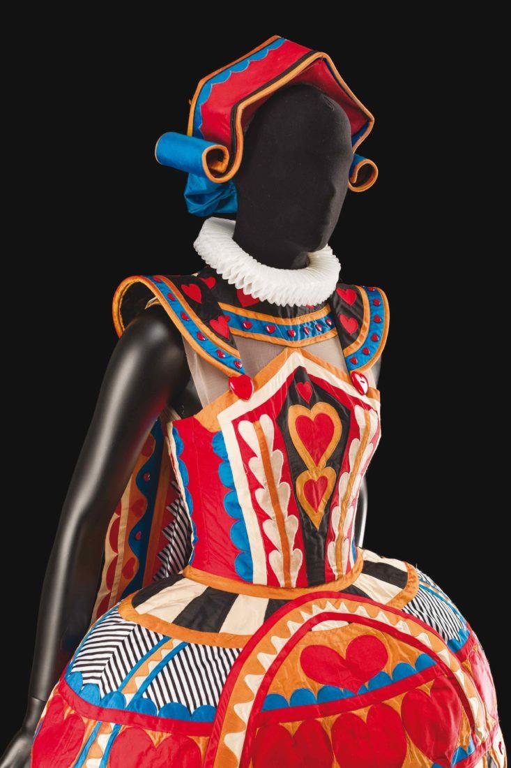 Alice au pays des merveilles, Costume de Charles Cusick-Smith et Phil R