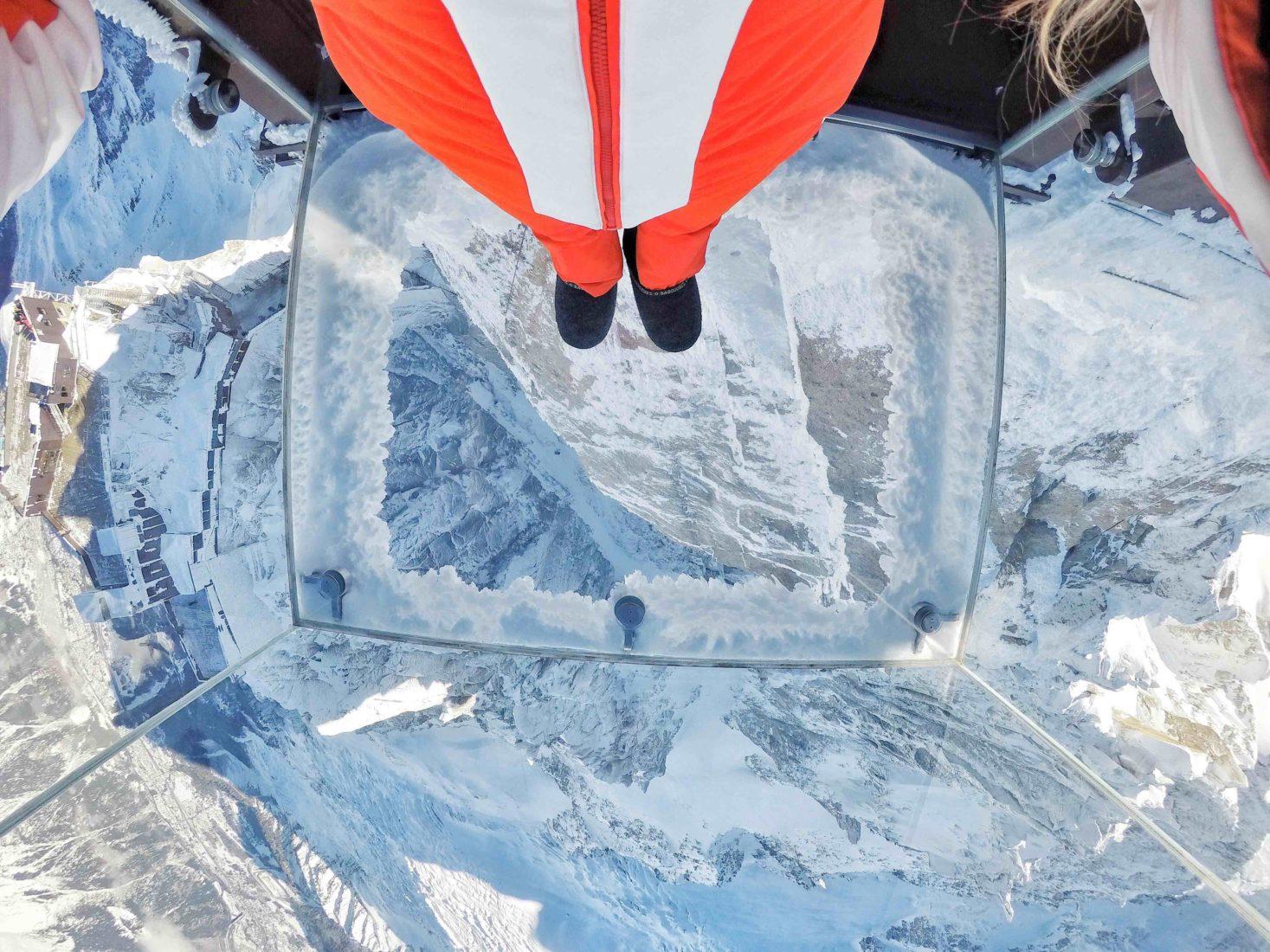 Chamonix cabine de verre Aiguille du Midi