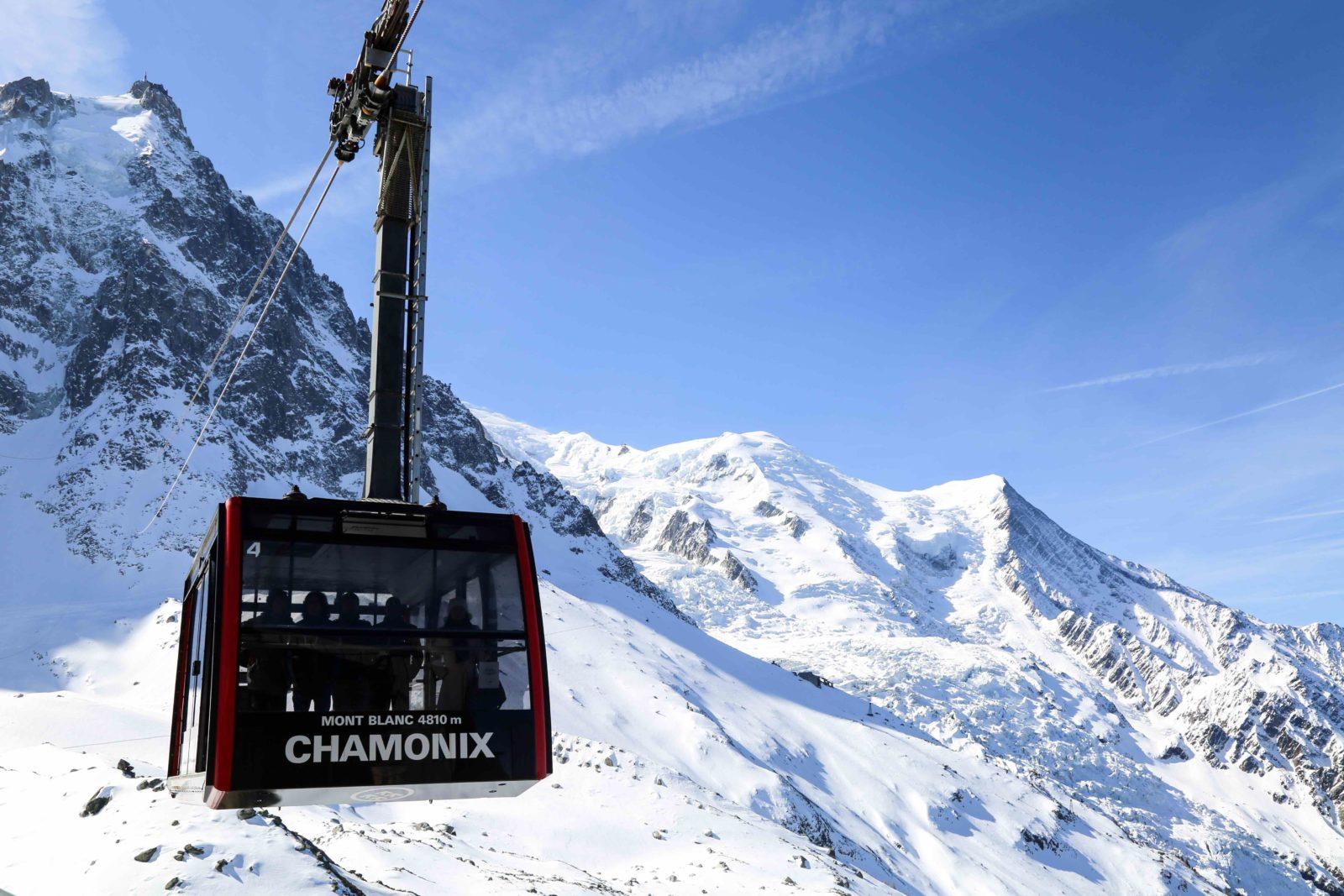 Chamonix téléphérique vers l'Aiguille du Midi