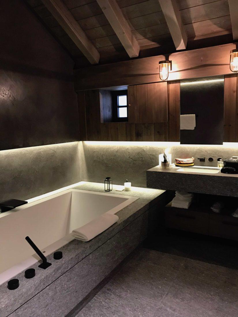 Chamonix Hôtel 5* Hameau Albert 1er suite Blaitière salle de bains