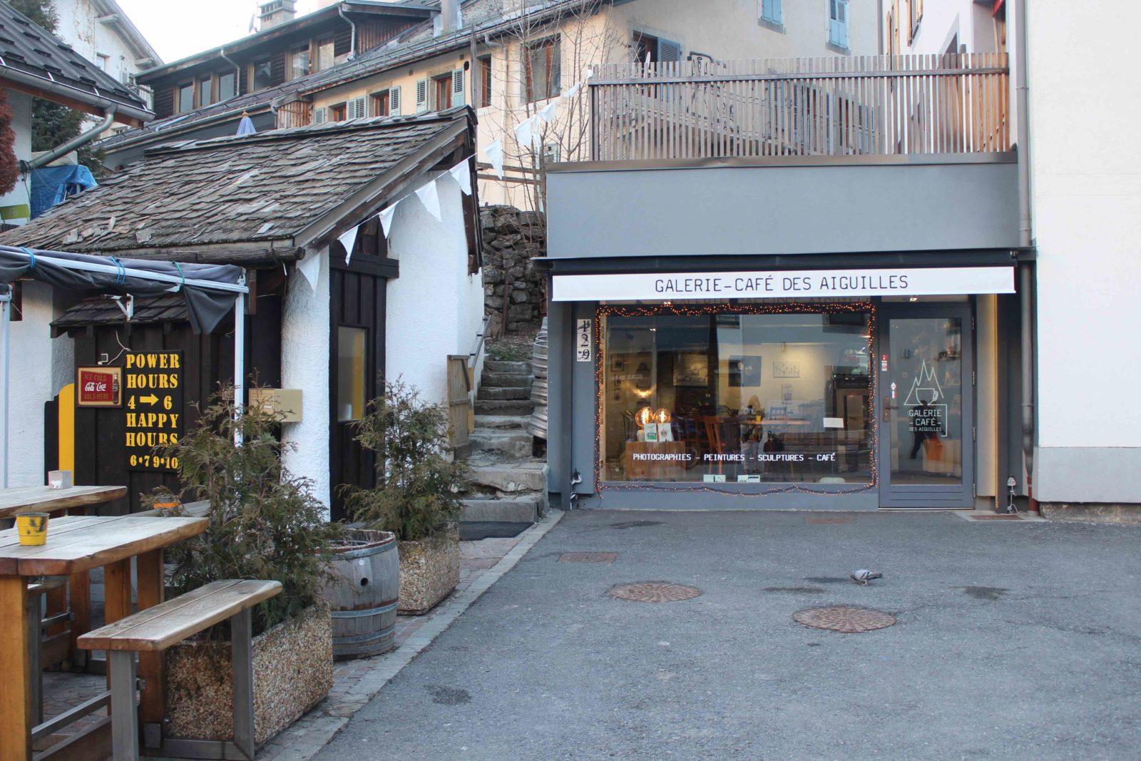 Chamonix galerie café des aiguilles