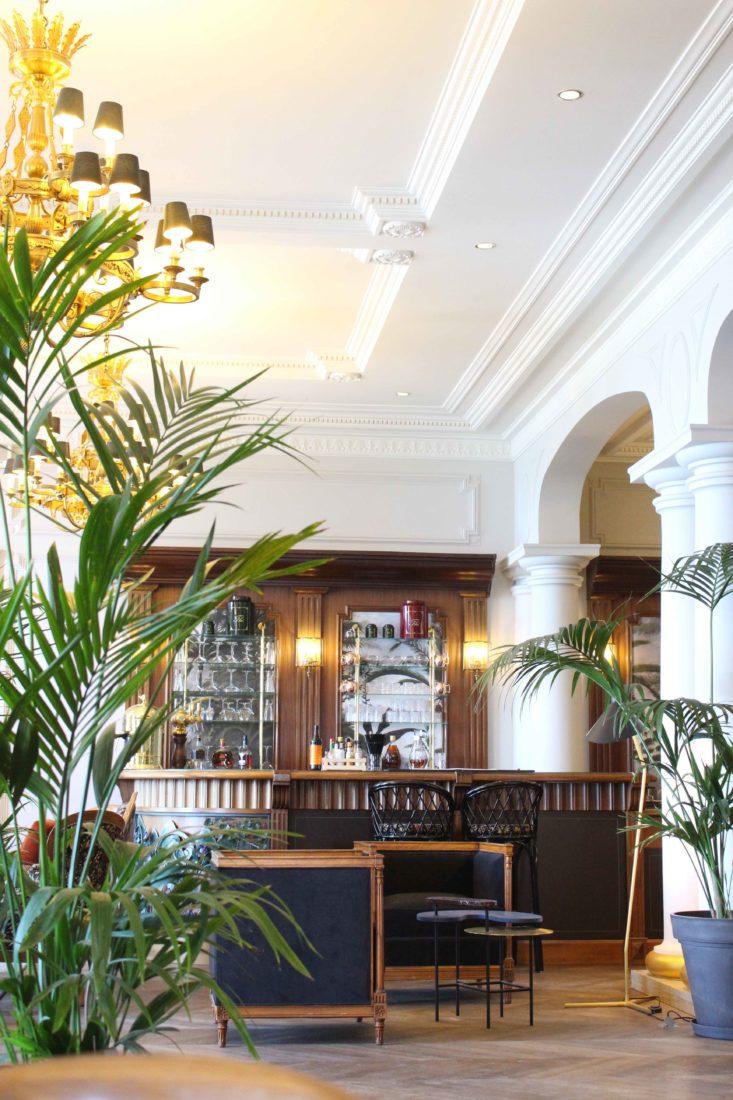 Le Palace de Menthon le bar 1900
