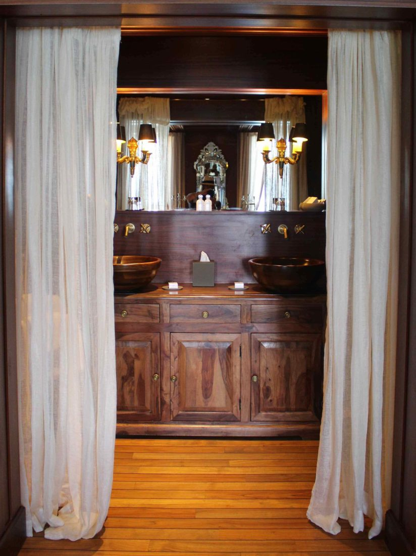 Le Palace de Menthon Lili's suite la salle de bain