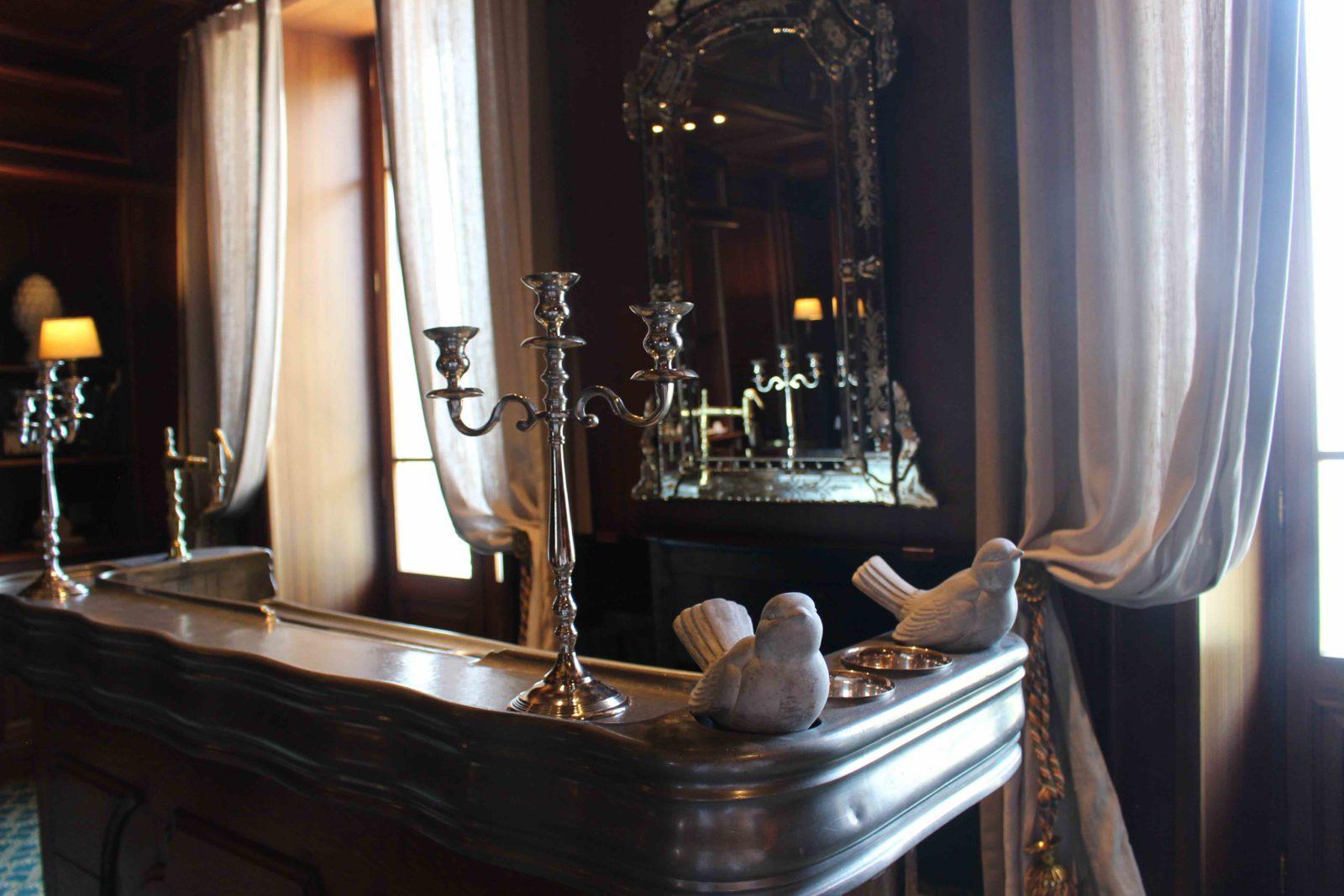Le Palace de Menthon Lili's suite le bar
