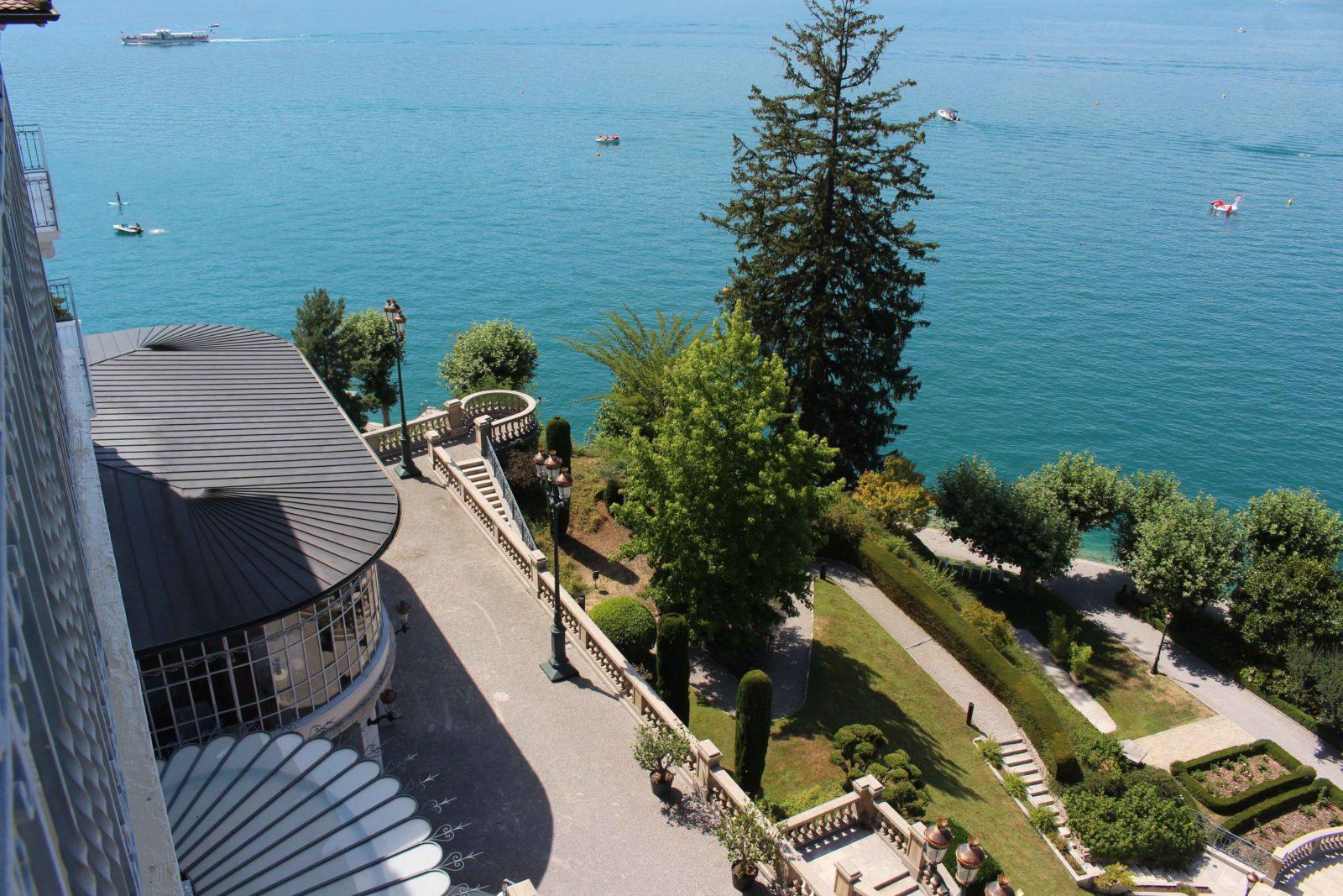 Le Palace de Menthon vue sur le lac