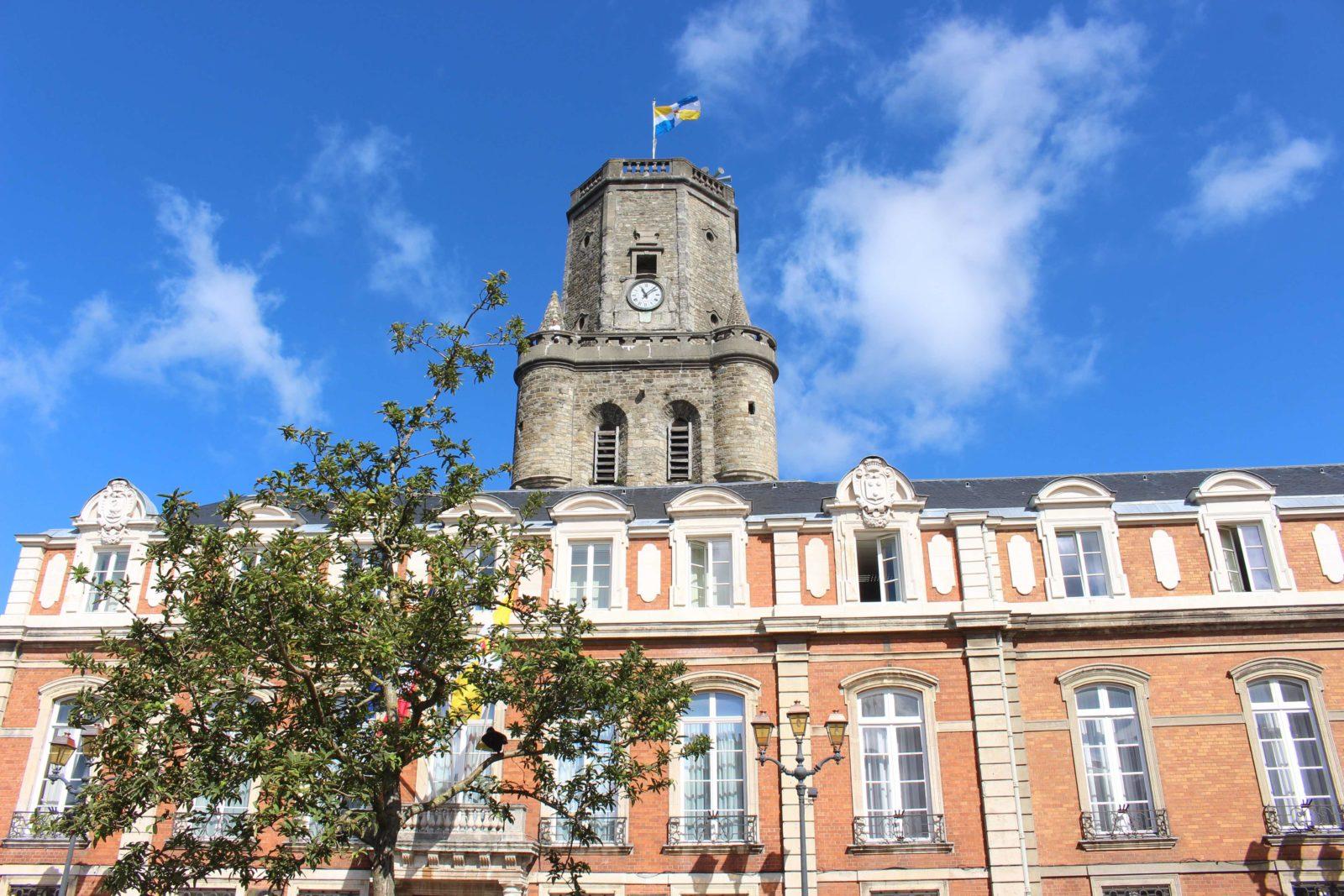 Boulogne-sur-Mer Hotel de ville et beffroi