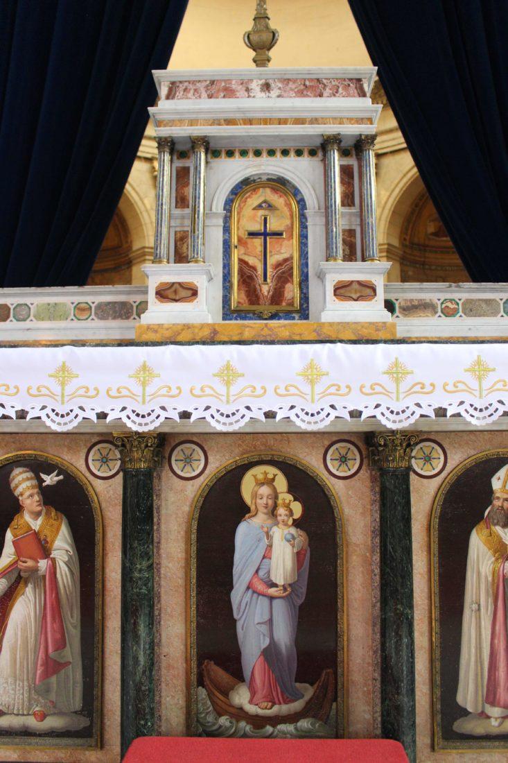 Boulogne-sur-Mer l'autel italien de la cathédrale