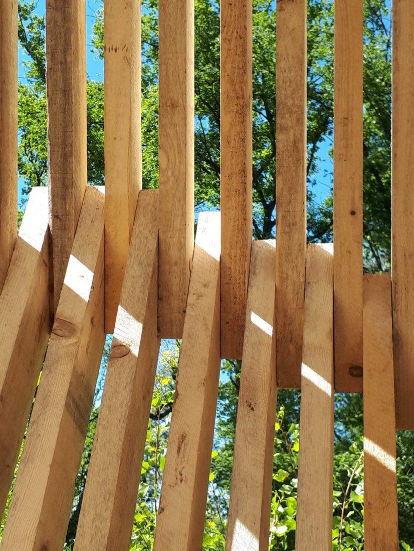 Annecy Festival des Cabanes gros plan croisement bois