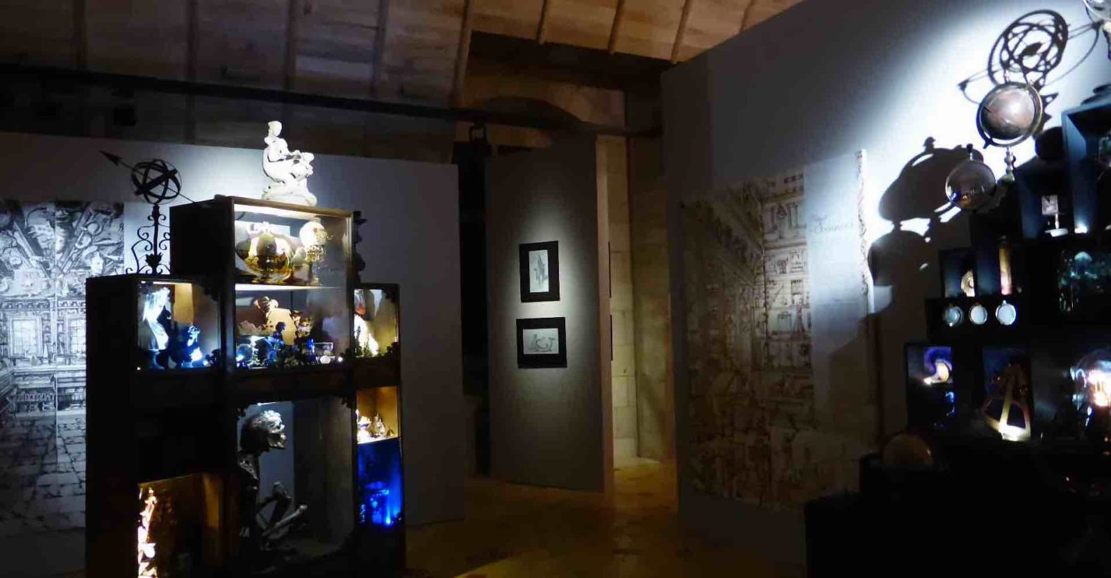 Chambres des Merveilles Château d'Angers globes