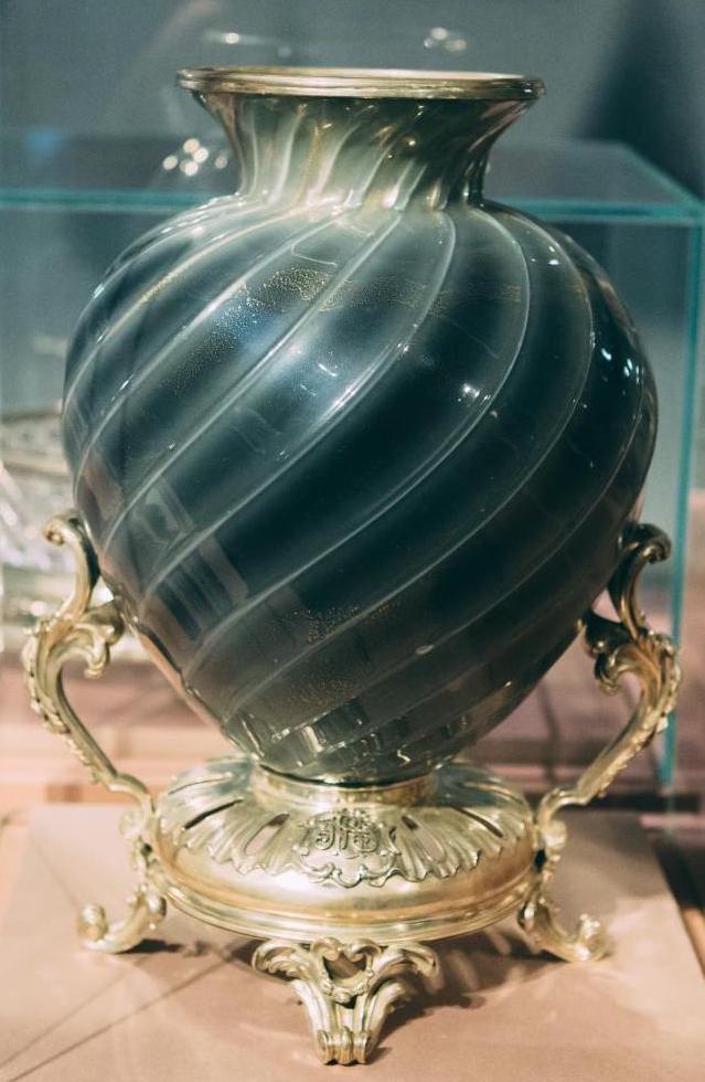 Exposition à Istra (Russie) Fabergé vase