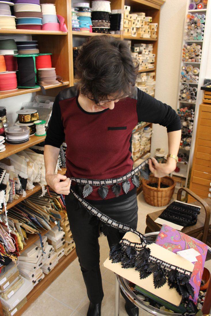 Atelier Casaquin Lausanne Marjorie présente passementerie