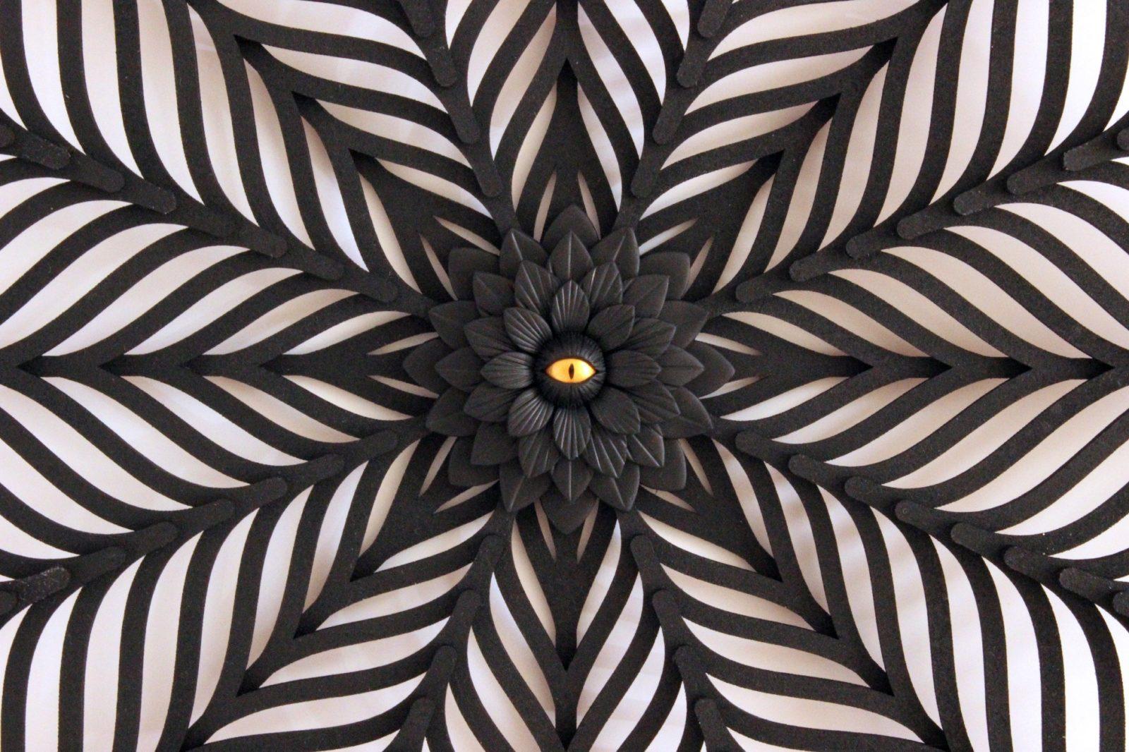 Calais cité dentelle et mode Dorothée Vantorre_Dark flower 3