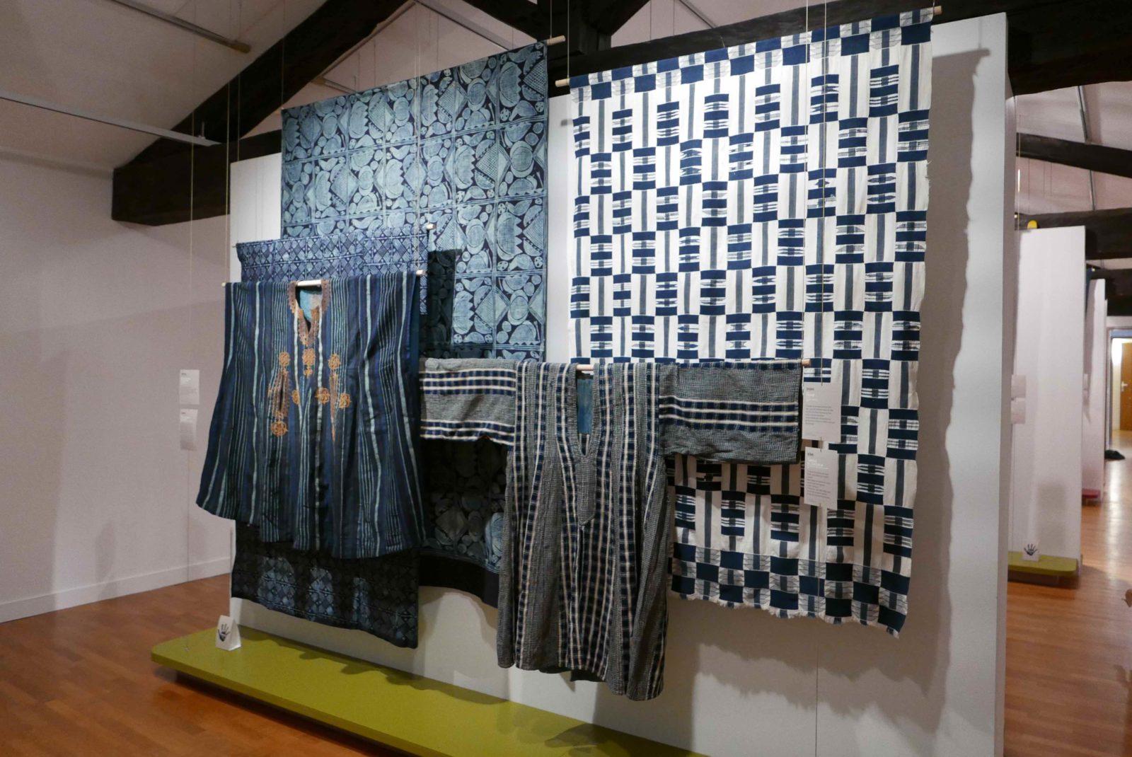 Musée de Bourgoin-Jallieu<br>affichage exposition Indigo