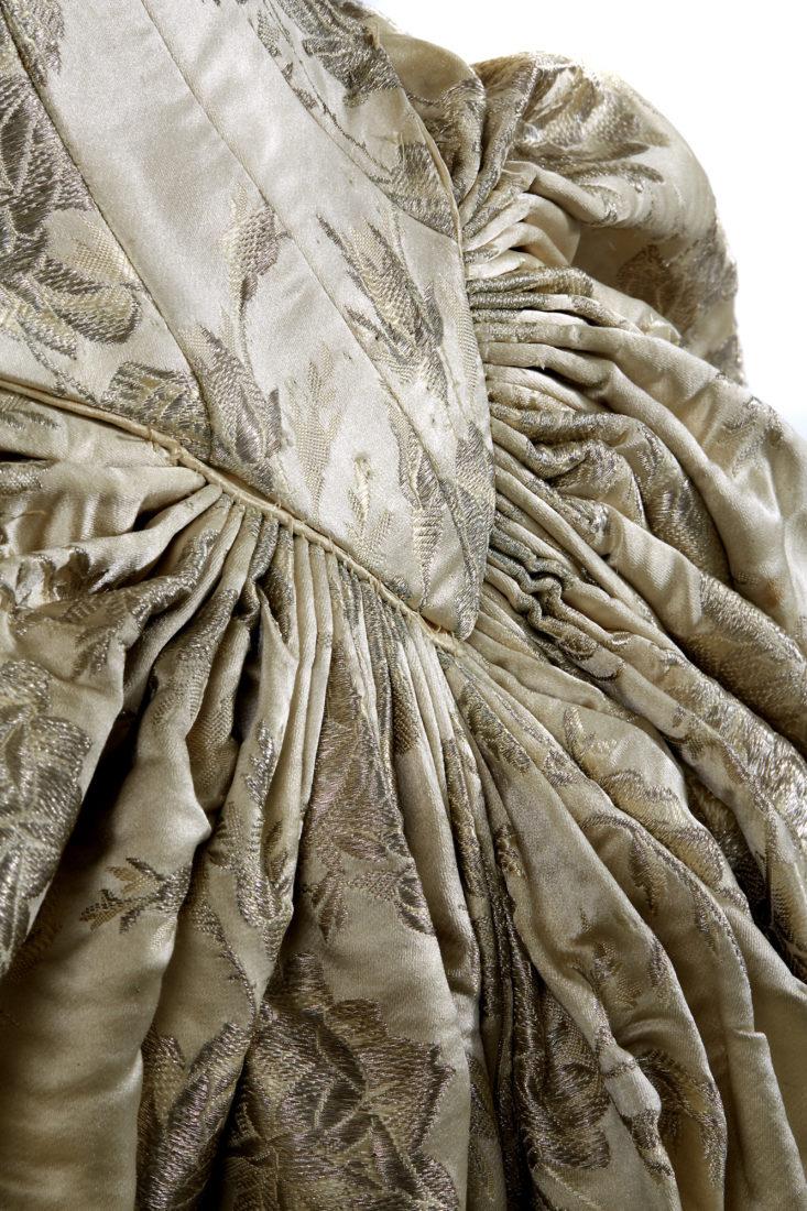 MH Lausanne Robe en damas de soie
