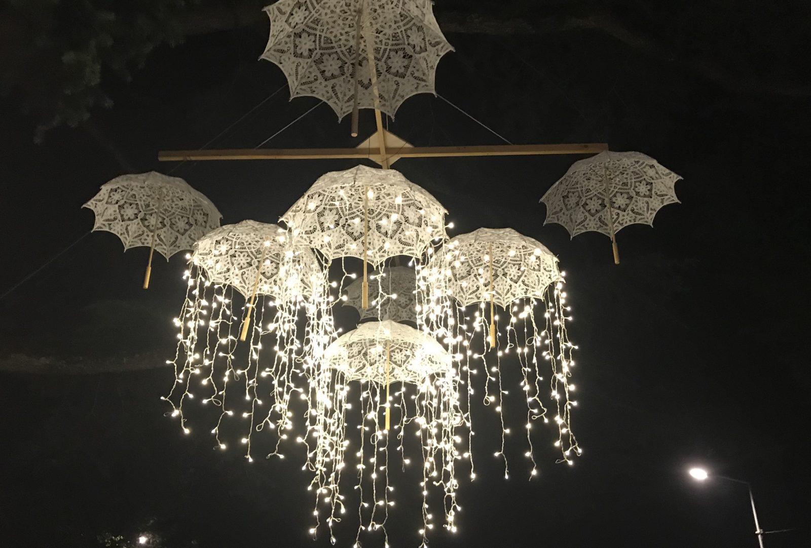 Fête à Ferney-Voltaire 2019 parasols lumineux