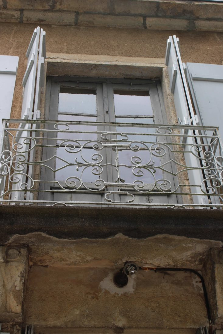 Monts-Boucons Besançon Colette fenêtre et balcon