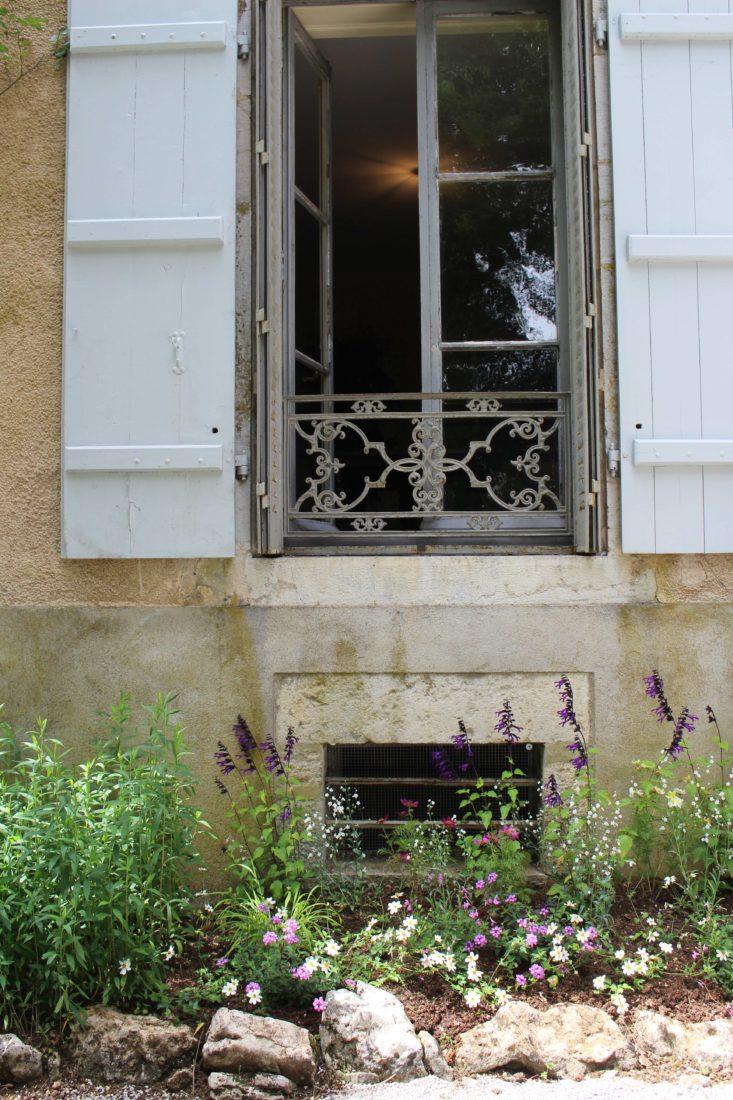 Monts-Boucons maison de Colette Besançon fenêtre