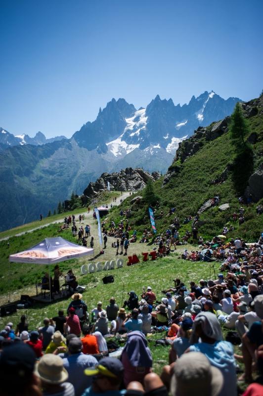 Cosmojazz Chamonix 2019 arrivée du public
