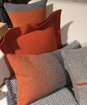 boutique Arpin Chamonix coussins divers