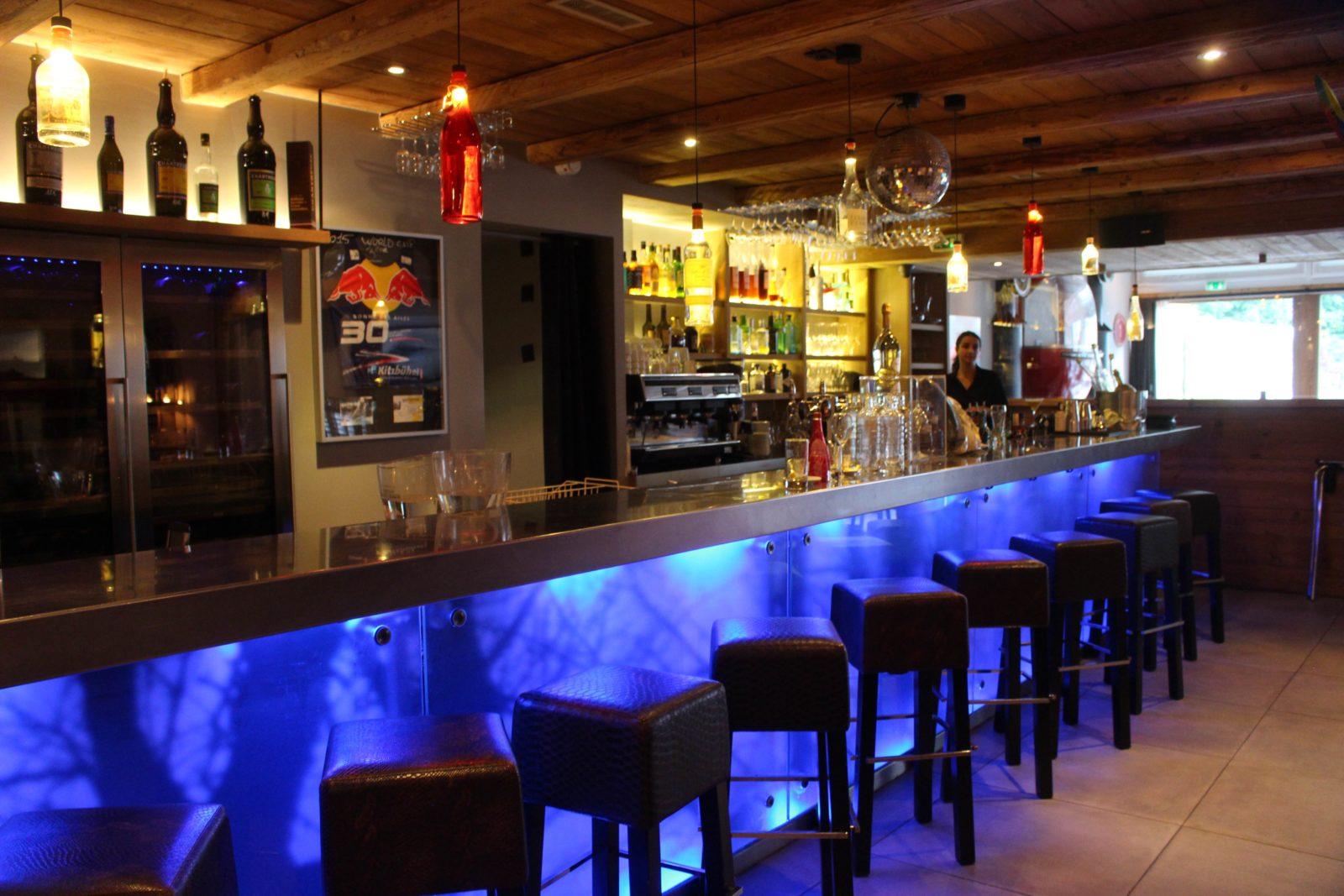 Chamonix restaurant La Télécabine le bar