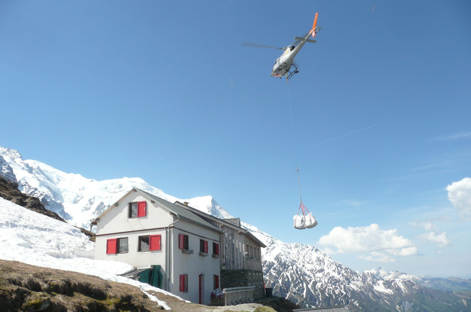 Refuge du Plan de l'Aiguille hélicoptère