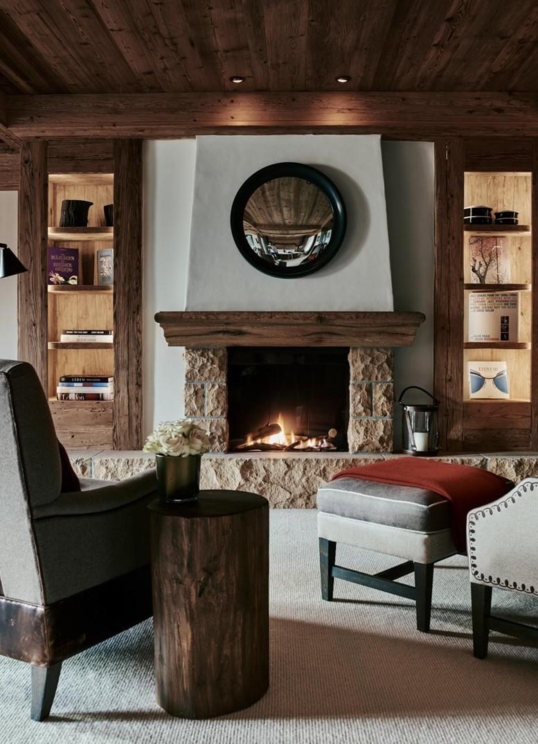 Hôtel Alpina Gstaad Suite salon cheminée