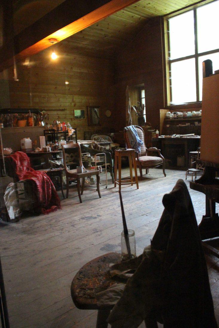 Atelier de Balthus Rossinière fauteuil, pinceaux