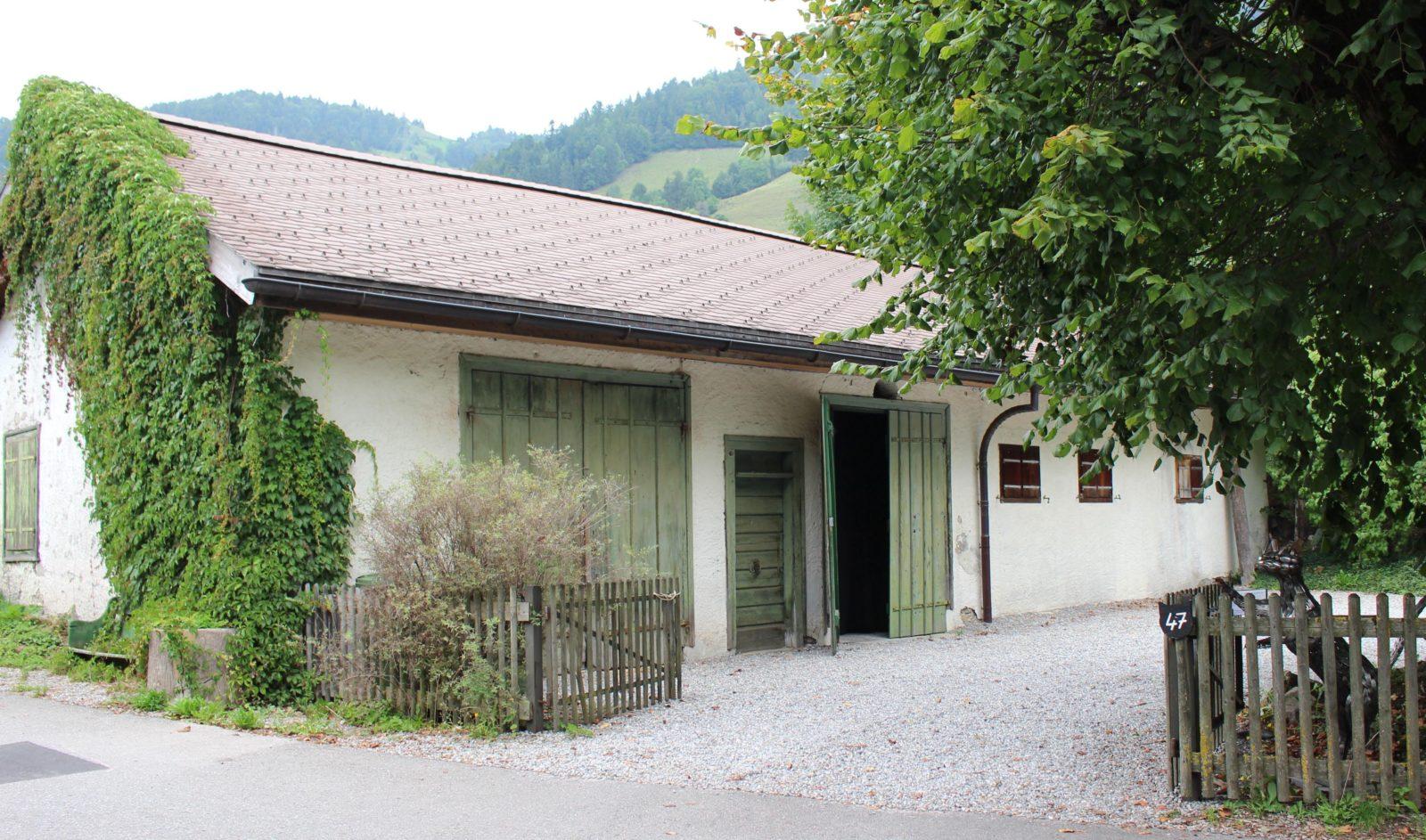 Vue extérieure de l'atelier de Balthus Rossinière