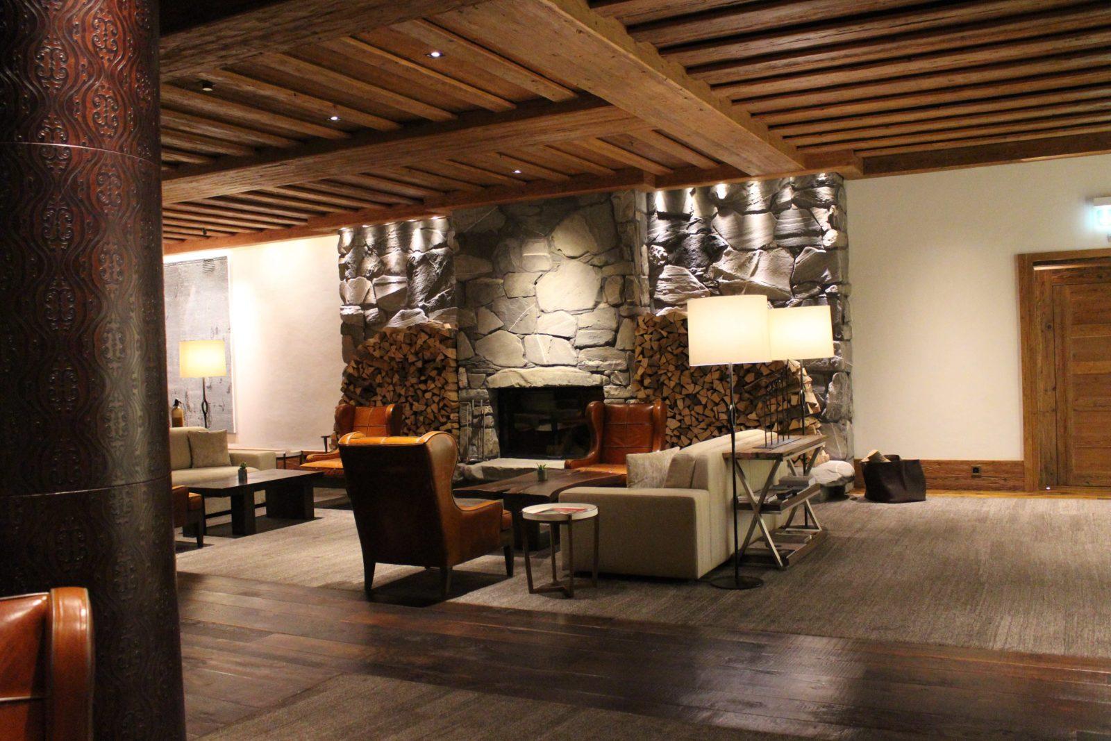 Hôtel Alpina Gstaad cheminée