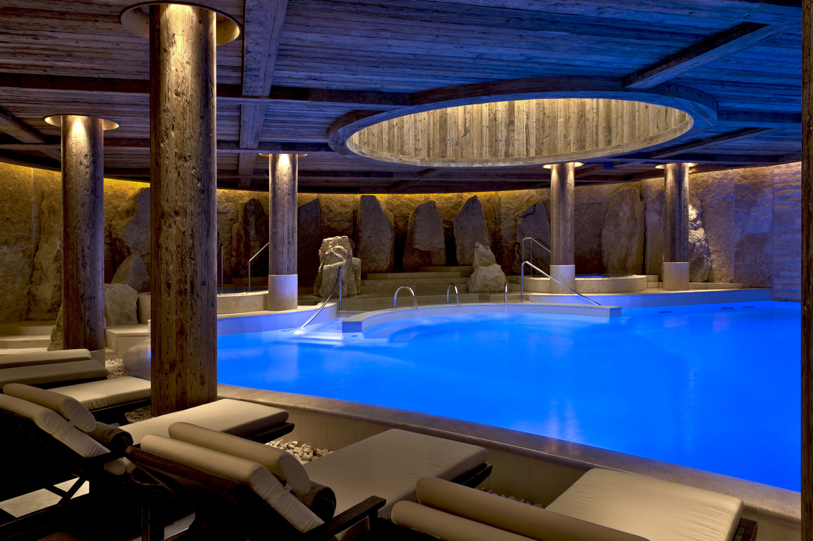 Hôtel Alpina Gstaad piscine Spa