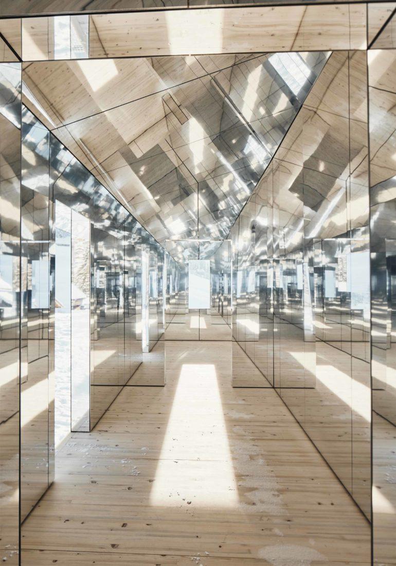 Mirage Gstaad Doug Aitken intérieur