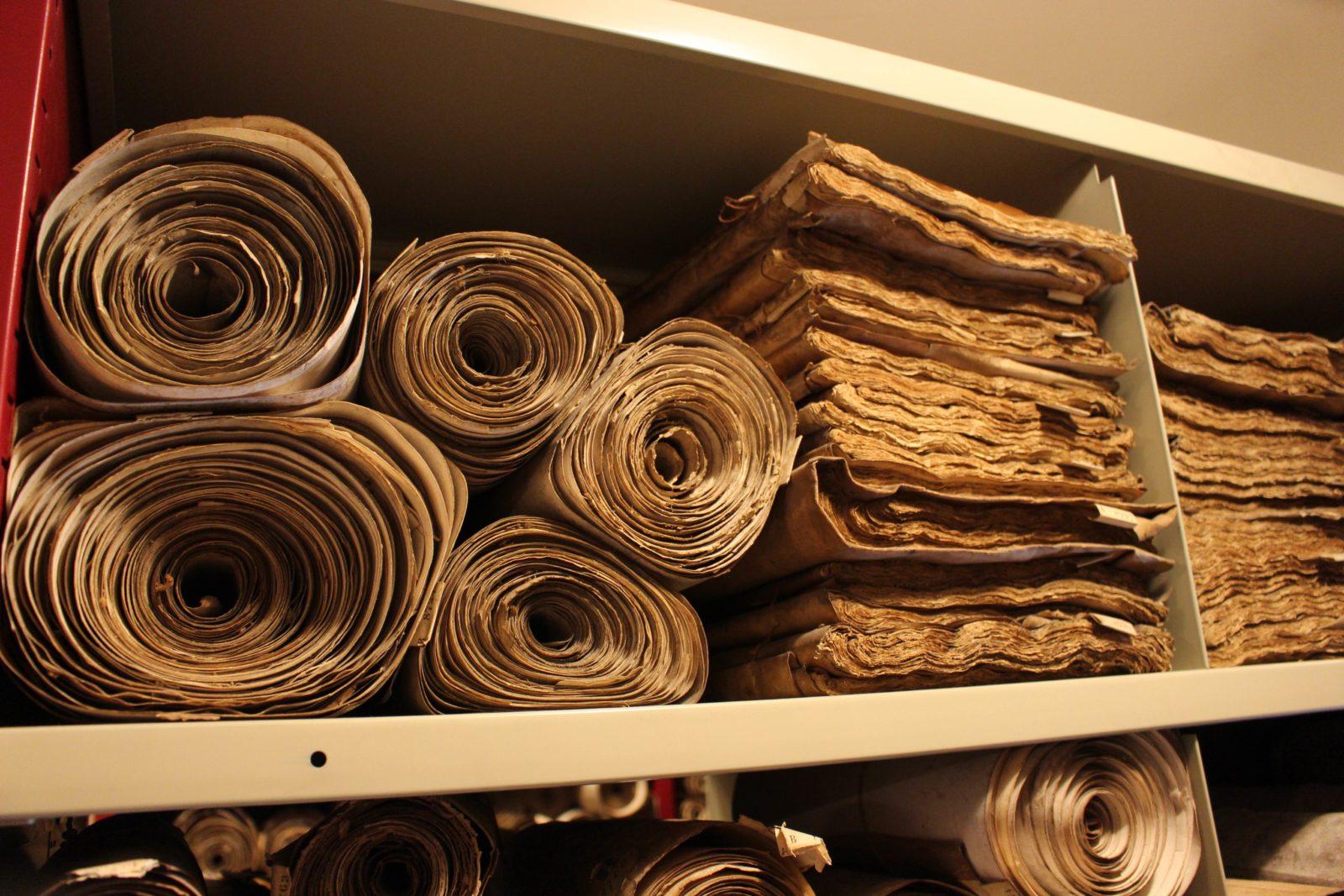 Dijon Archives départementales rangement rouleaux